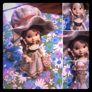 🔴2/$10 or 5/$20 Vintage 70s Little Girl Bank